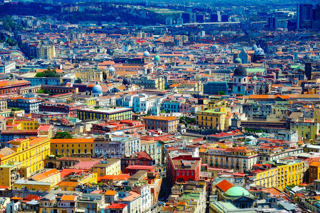 A view of Naples. / Montse Monmo, Unsplash CC0