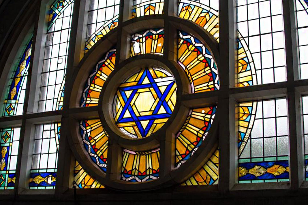 Jewish synagogues in England