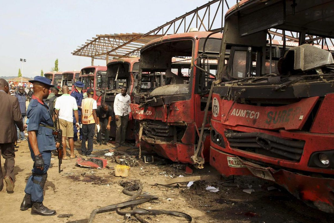 Bomb attack by Boko Haram in Abuja on April 14, 2014. / Wikipedia, VOA