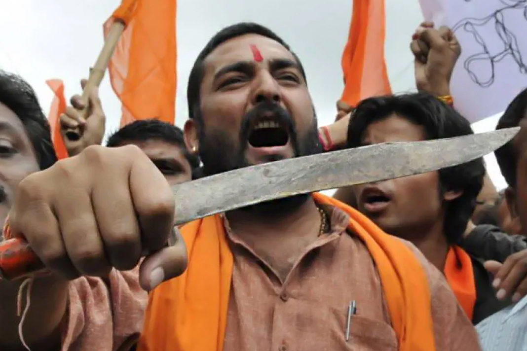 HINDU EXTREMISTS ASSAULT CHURCH MEMBERS IN NORTHERN INDIA, FORCE PASTOR INTO HIDING