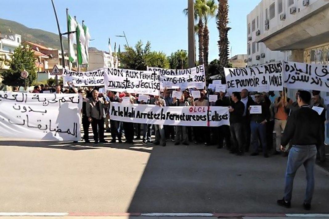 Algerian Protestant Christians demonstrate for freedom of religion, October 2019. / EF