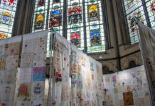 16,000 squares of fabric were held at Westminster Abbey ti support persecuted Christian women. / Open Doors UK.