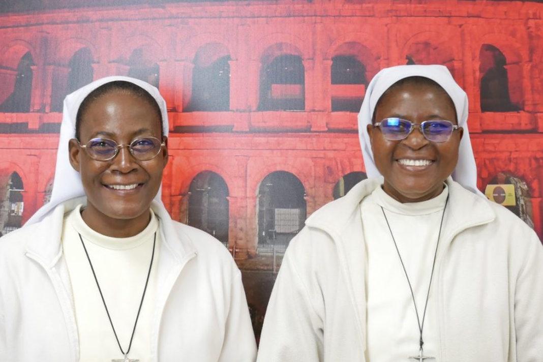 Sister Sawagado (l) and Sister Rouamba