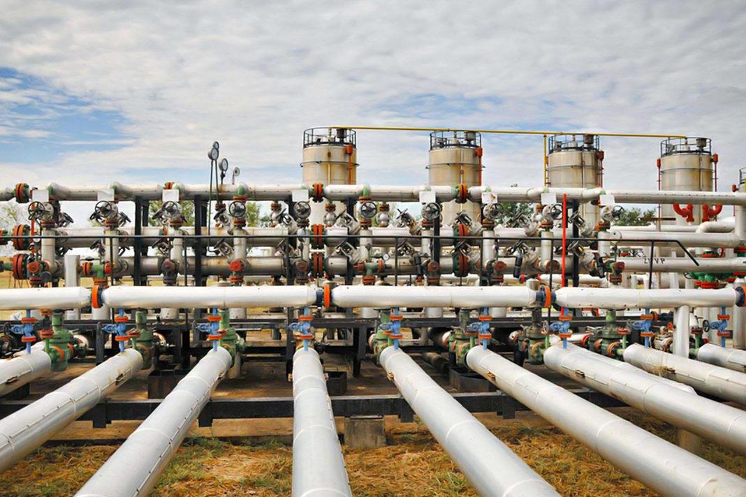 Gas Pipes Zorandim, Shutterstock