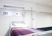Hospital bed Martha Dominguez, Unsplash.