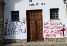 Graffiti on the facade of a Catholic churchb building in Spain./ Photo: OLRC
