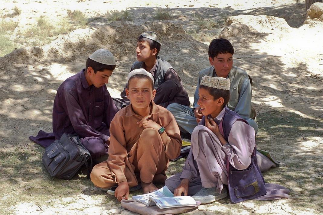 Schoolboys Afghanistan