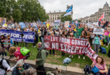 Thousands march for life in London. / March for life UK.